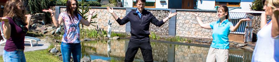 Qi Gong Übungen auf dem integrierten Aussenbereich